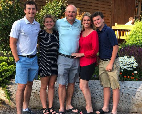 Kellen Round with his family
